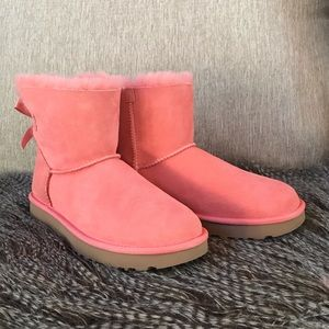 🆕 UGG Mini Bailey Bow Coral Size 7